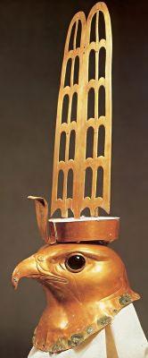 Голова бога Хора в образе сокола. Около 2350 г. до н.э.