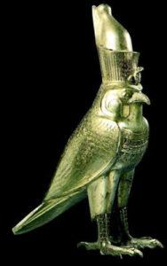 Рис.12  Культовая статуэтка божества в образе сокола.    Около 500 г. до н.э. (27 династия).