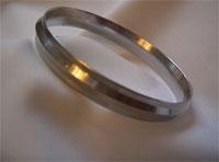 Кан-кан – железный браслет-наруч на правой руке